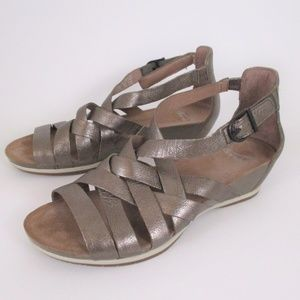 Dansko 38 Metalic Silver Low Wedge Comfort Sandals